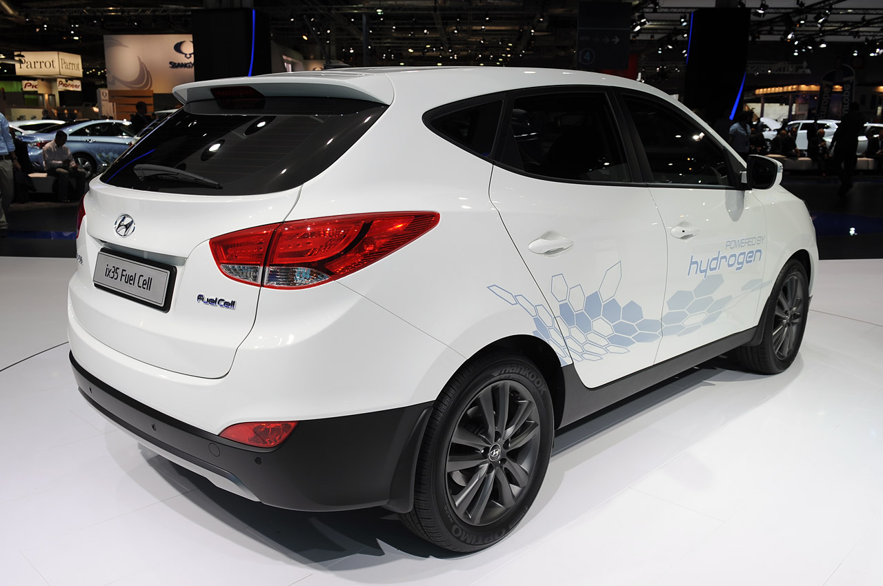 hyundai ix35 fuel cell paris 2012 photo gallery autoblog. Black Bedroom Furniture Sets. Home Design Ideas