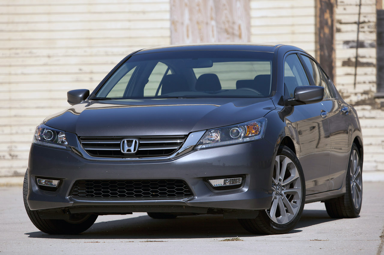 2013 honda accord sport w video autoblog for Honda accord used 2013