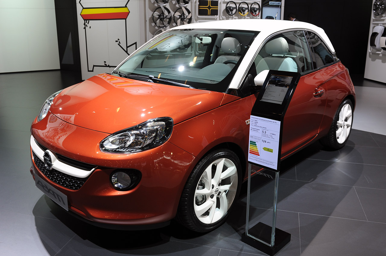 opel adam is the little hatch to begin a big turnaround autoblog. Black Bedroom Furniture Sets. Home Design Ideas