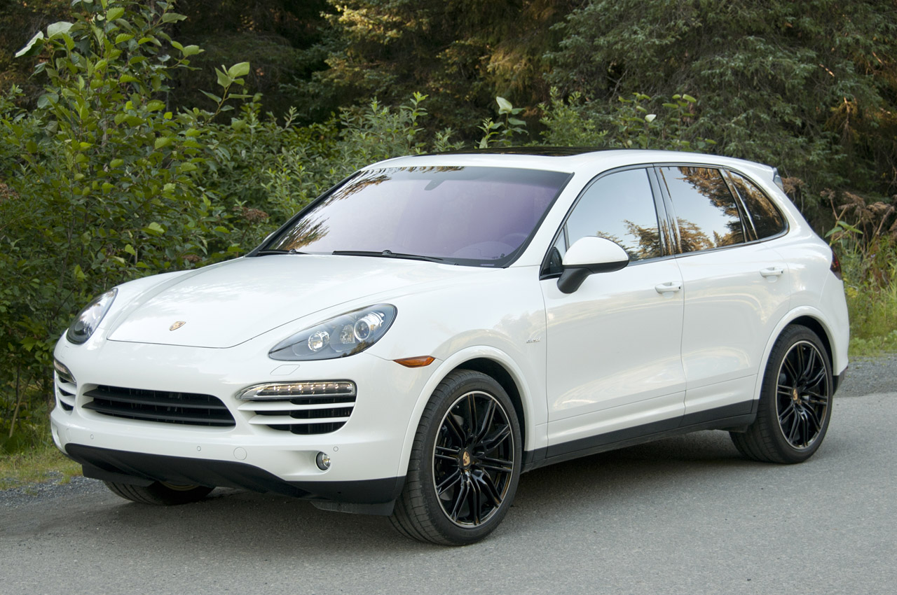2013 porsche cayenne diesel w video autoblog. Black Bedroom Furniture Sets. Home Design Ideas