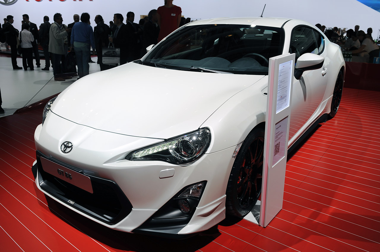 toyota gt86 trd boasts added performance gear industry first door stabilizer autoblog. Black Bedroom Furniture Sets. Home Design Ideas