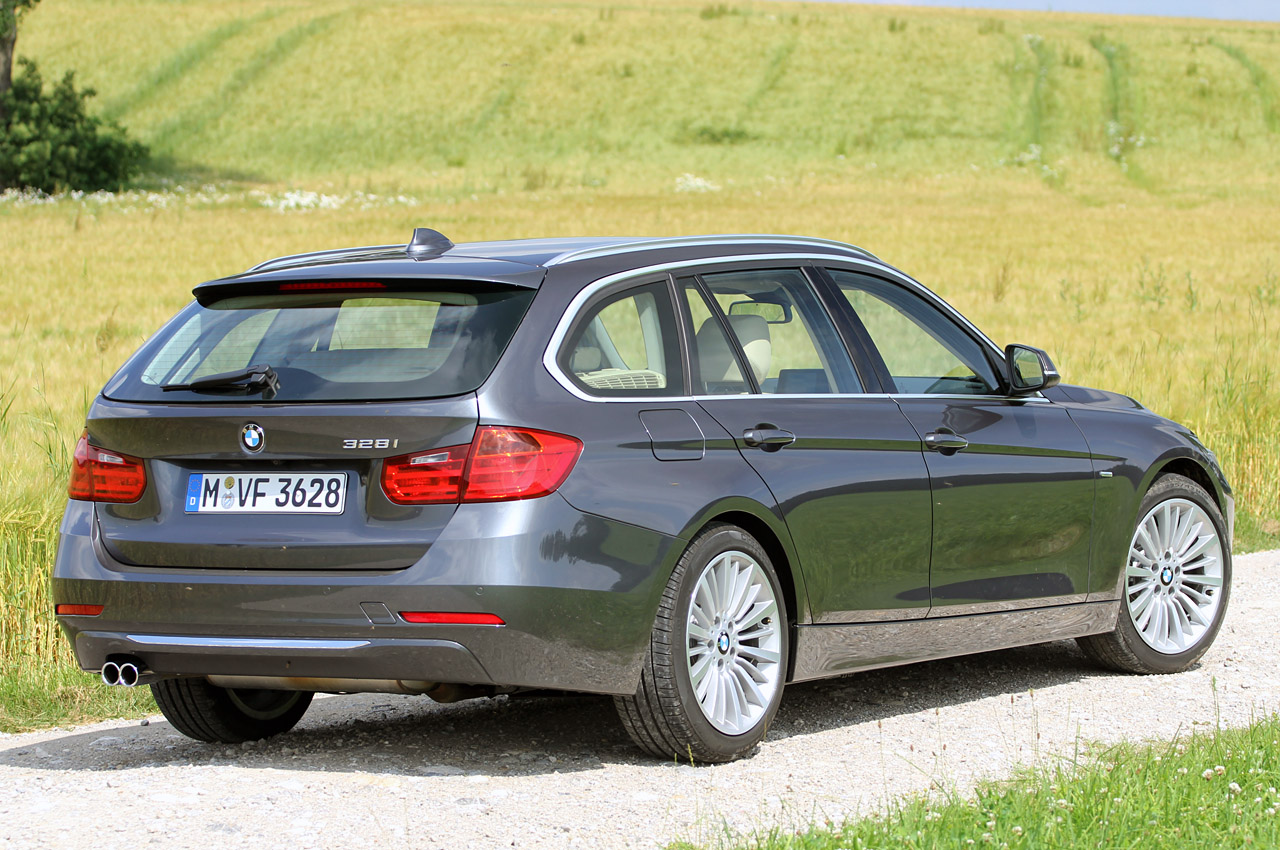 2014 bmw 3 series sports wagon autoblog. Black Bedroom Furniture Sets. Home Design Ideas