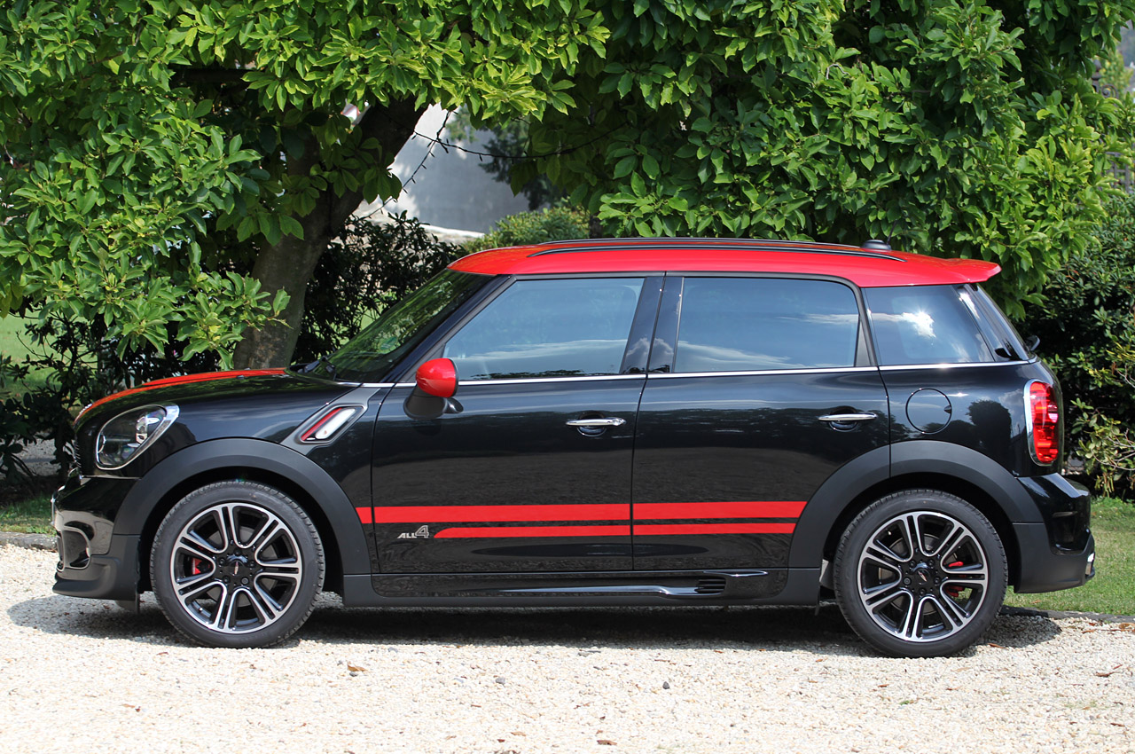 mini countryman jcw priced from 35 550 autoblog. Black Bedroom Furniture Sets. Home Design Ideas