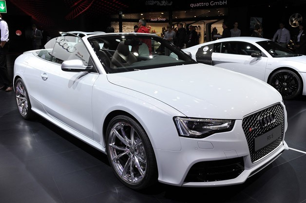 2013 Audi RS5 Cabriolet - live on Paris Motor Show stand