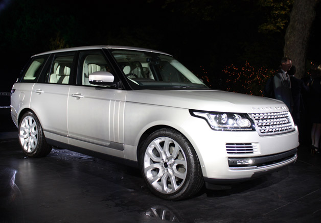 2013 Land Rover Range Rover - live reveal in London - front three-quarter view