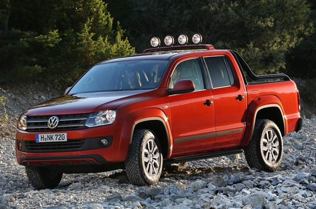 2013 Volkswagen Canyon Amarok - front three-quarter view on the rocks