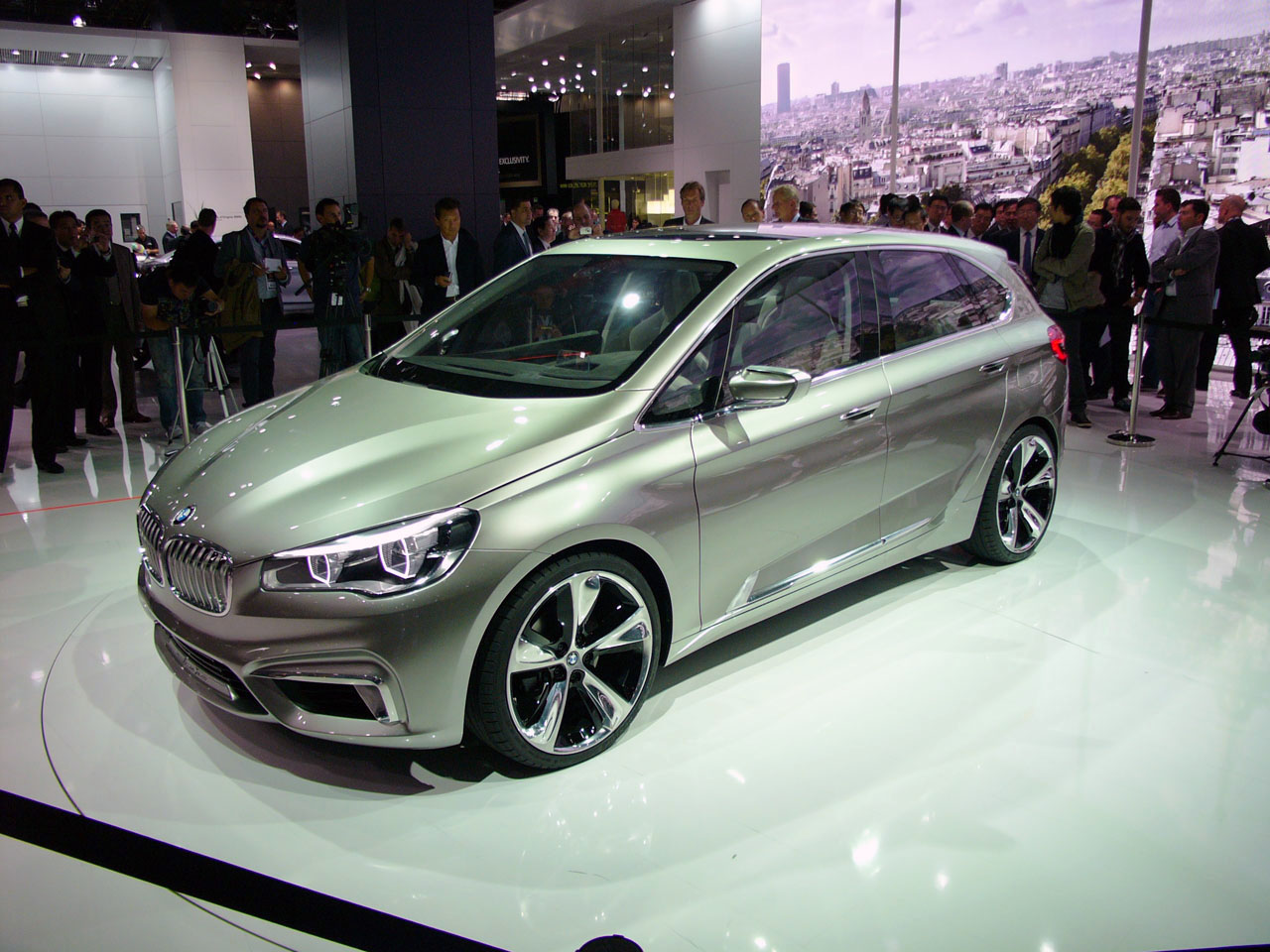 bmw concept active tourer breaks with tradition goes front wheel drive w video autoblog. Black Bedroom Furniture Sets. Home Design Ideas