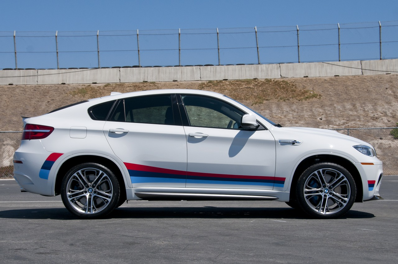 2013 BMW X6 M Quick Spin Photo Gallery