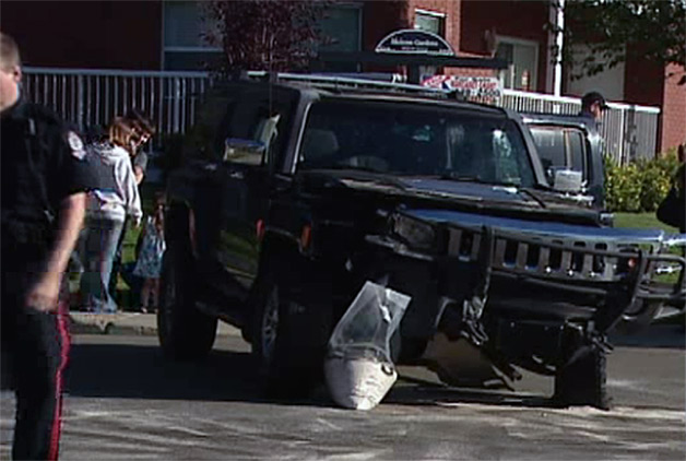 Canadian male saves 4 kids with Hummer [w/video]