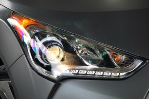 2013 Hyundai Veloster Turbo headlight