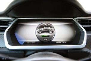 2012 Tesla Model S display screen
