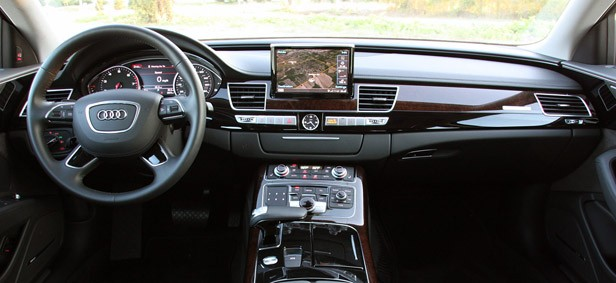 2013 Audi A8L 3.0T Quattro interior