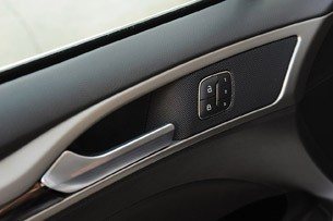 2013 Ford Fusion door speaker