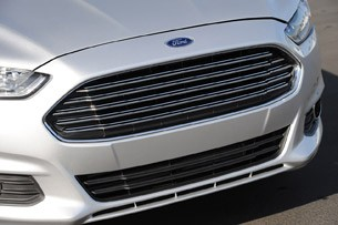 2013 Ford Fusion grille