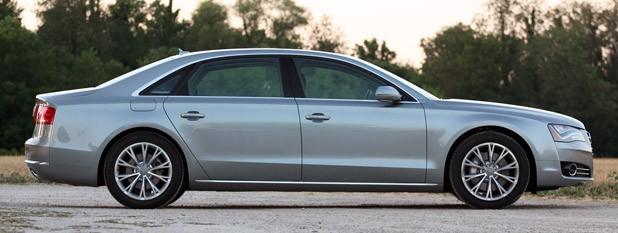 2013 Audi A8L 3.0T Quattro side view