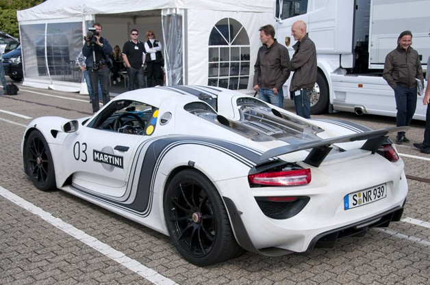 2014 Porsche 918 Spyder rear 3/4 view