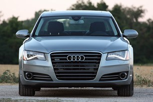 2013 Audi A8L 3.0T Quattro front view
