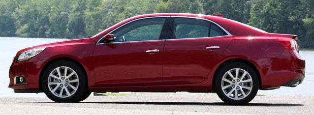 2013 Chevrolet Malibu 2.5 side view