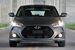 2013 Hyundai Veloster Turbo front view