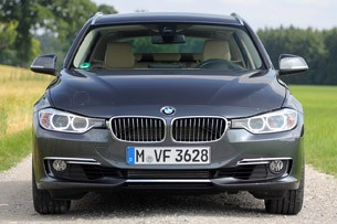 2014 BMW 3 Series Sports Wagon front view