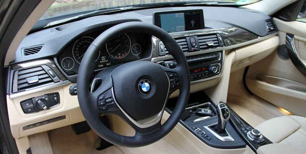 2014 BMW 3 Series Sports Wagon interior
