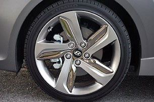2013 Hyundai Veloster Turbo wheel