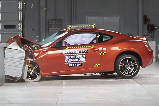 scion fr s subaru brz get iihs top safety pick w videos. Black Bedroom Furniture Sets. Home Design Ideas
