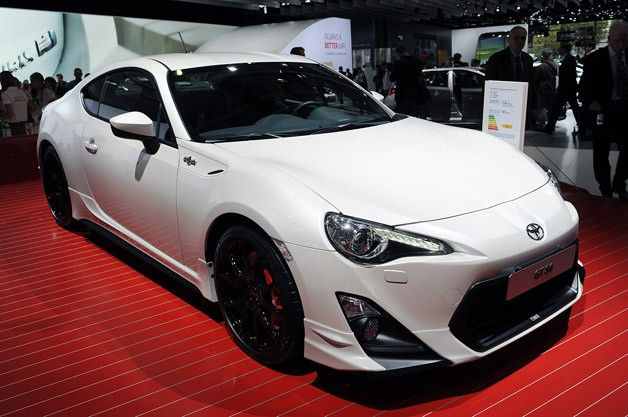 Toyota GT86 TRD at Paris Motor Show reveal - front three-quarter view