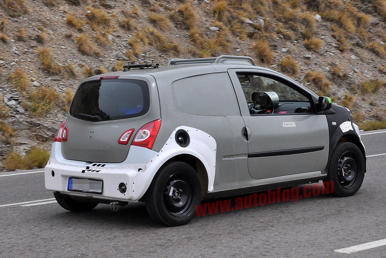 2015 smart forfour spy photos photo gallery autoblog. Black Bedroom Furniture Sets. Home Design Ideas