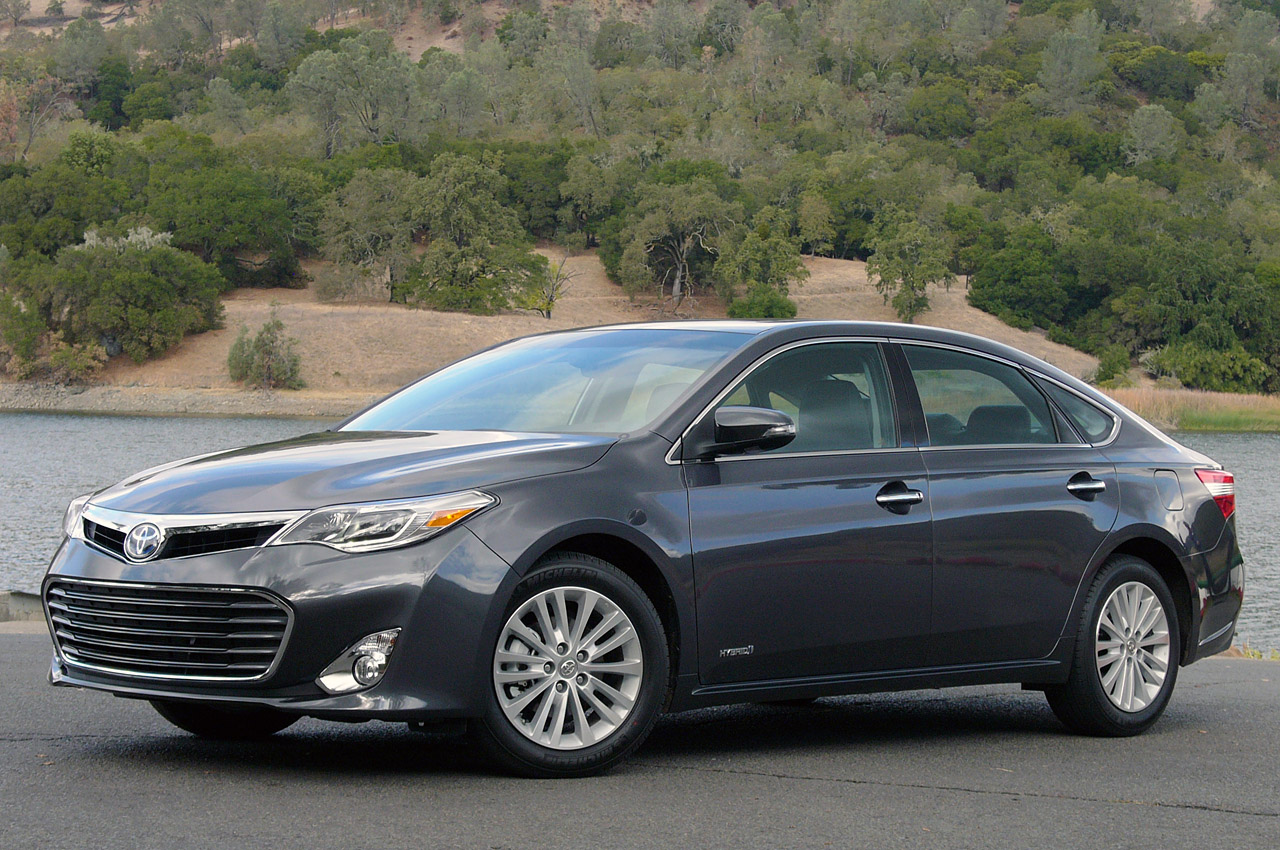 2013 toyota avalon first drive photo gallery autoblog 2017 2018 best cars reviews. Black Bedroom Furniture Sets. Home Design Ideas