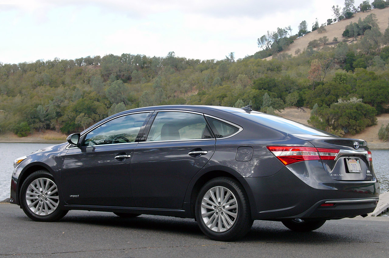 2013 Toyota Avalon W Video Autoblog