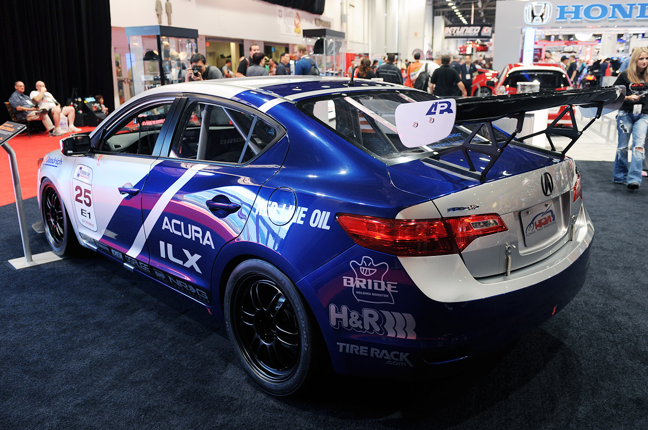 Acura Certified Pre Owned 2 >> Acura preps ILX for endurance racing challenge - Autoblog