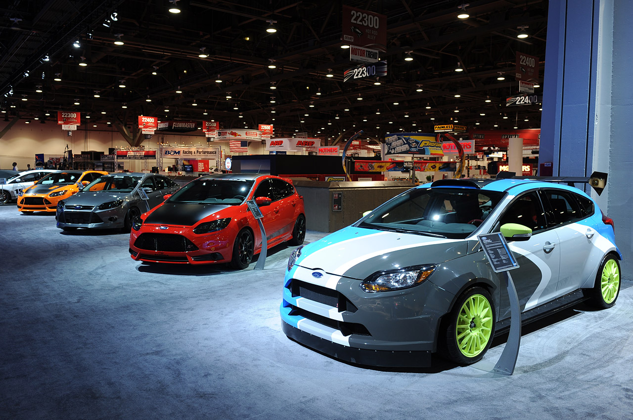 Short Car Insurance >> Ford Focus ST makes presence known with five custom cars in Vegas - Autoblog
