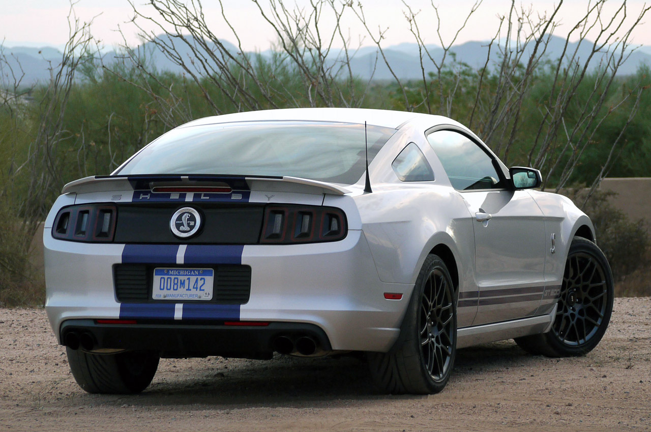 2013 ford shelby gt500 w video autoblog. Black Bedroom Furniture Sets. Home Design Ideas