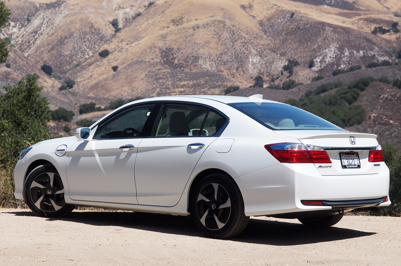 Honda considers building new Accord Hybrid in U.S. - Autoblog