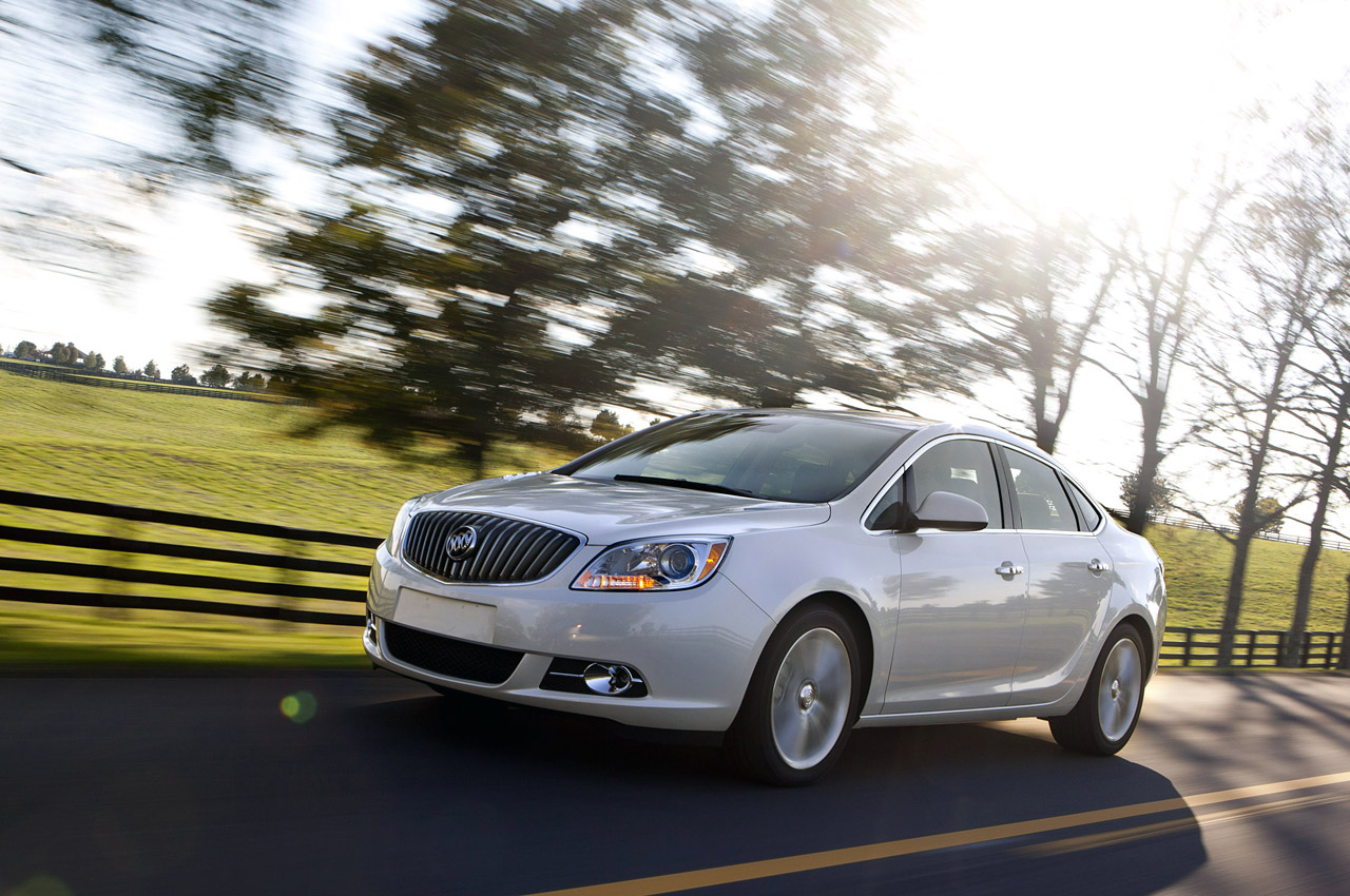2012 Buick Verano Pictures Page 4