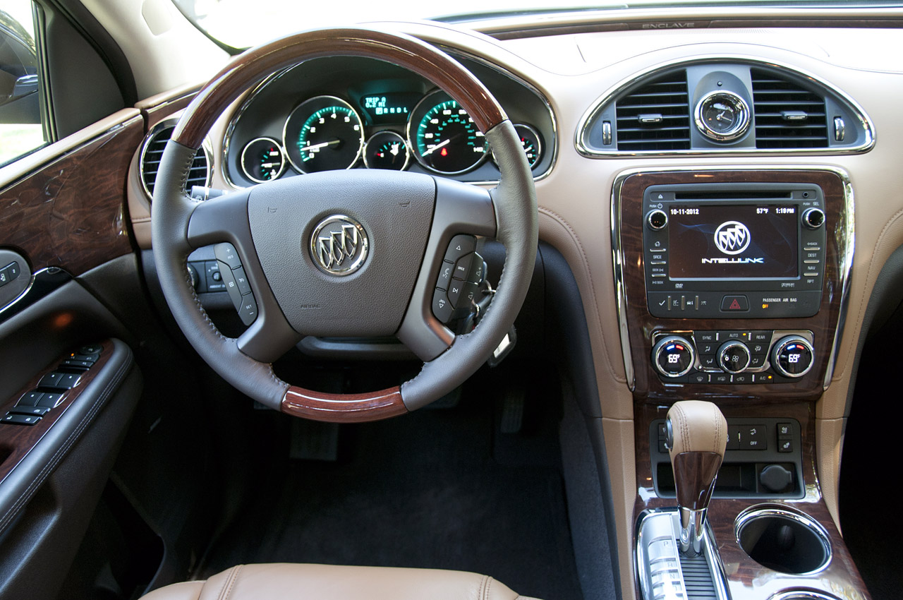 2015 enclave vs highlander autos post for Buick enclave interior pictures