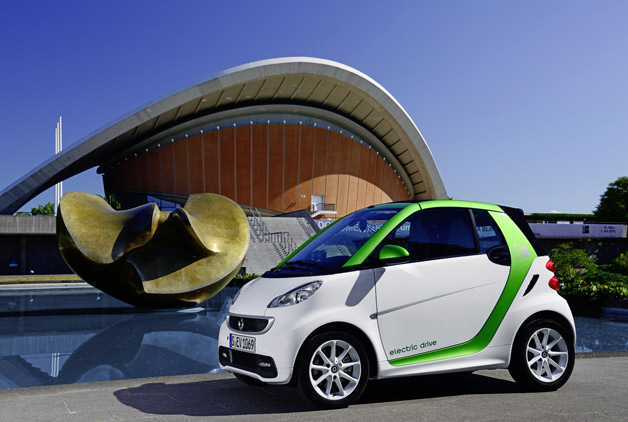 2013 Smart ForTwo Electric Drive with sculpture