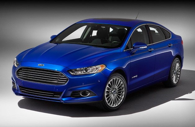 2013 Ford Fusion Hybrid - studio view - front three-quarter angle