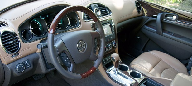 2013 buick enclave autoblog for Buick enclave interior pictures