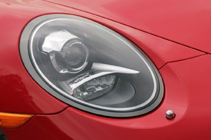 2013 Porsche 911 Carrera S headlight