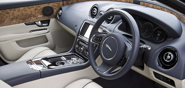 2013 Jaguar XJ V6 interior