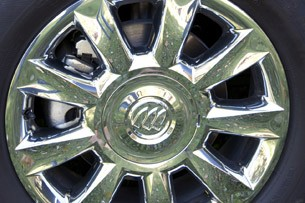 2013 Buick Enclave wheel