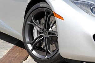 2013 McLaren MP4-12C Spider wheel