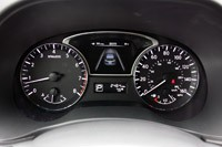 2013 Nissan Pathfinder gauges