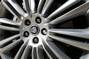 2013 Jaguar XJ V6 wheel detail
