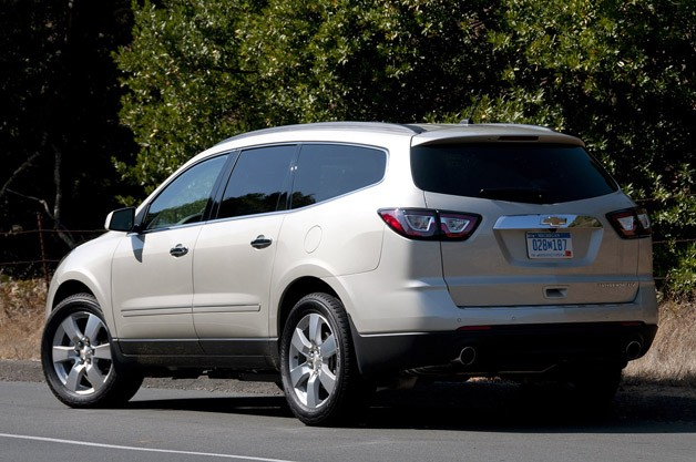 2013 Chevrolet Traverse rear 3/4 view