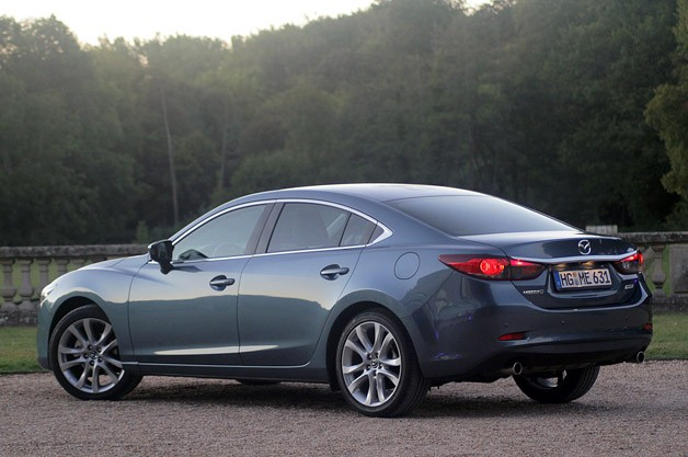 2014 Mazda6 rear 3/4 view