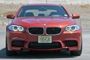 2013 BMW M5 6MT front view