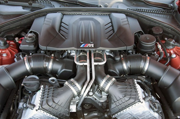 2013 BMW M5 6MT engine